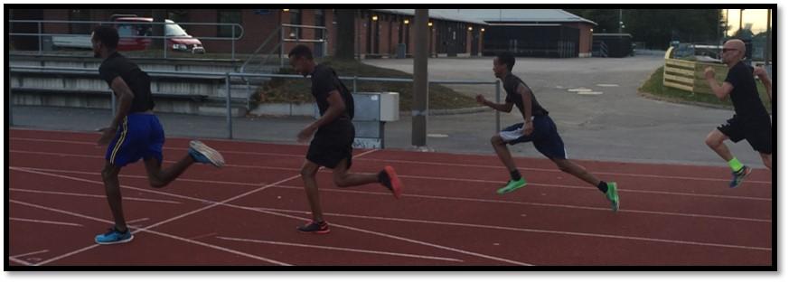 Abdihakim, Mohamed och Khalil springer ifrån mig